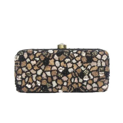 Pebble clutch